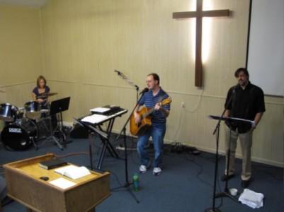 worship1a-11-401x300.jpg