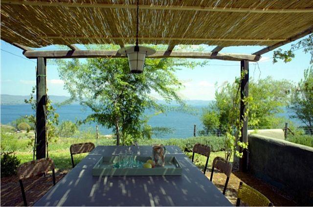 lago-Page-03-Image-00011336395631Z.jpg