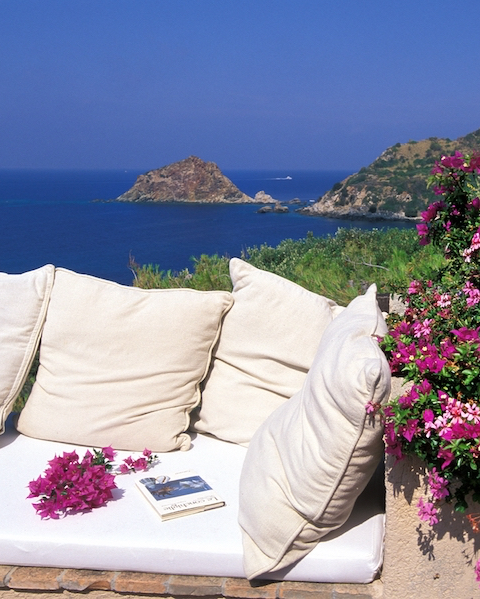 Le Cannelle - Sleeps:14Price From: EUR 5,000 per weekLocation:Porto Santo StefanoFeatures: Direct access to the Sea
