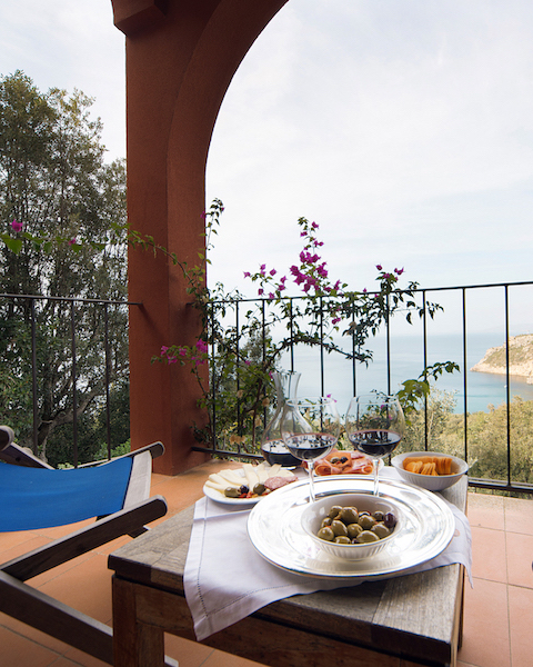 Villa Arancio - Sleeps:14Price From: EUR 7,500 per weekLocation:Porto Santo StefanoFeatures: Small pool