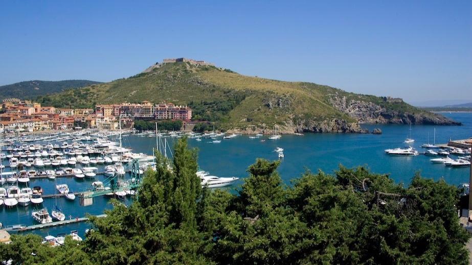 le viste - Sleeps: 9Price from: EUR 5,500 per weekLocation: Porto ErcoleFeatures: Apartment with splendid view over harbour
