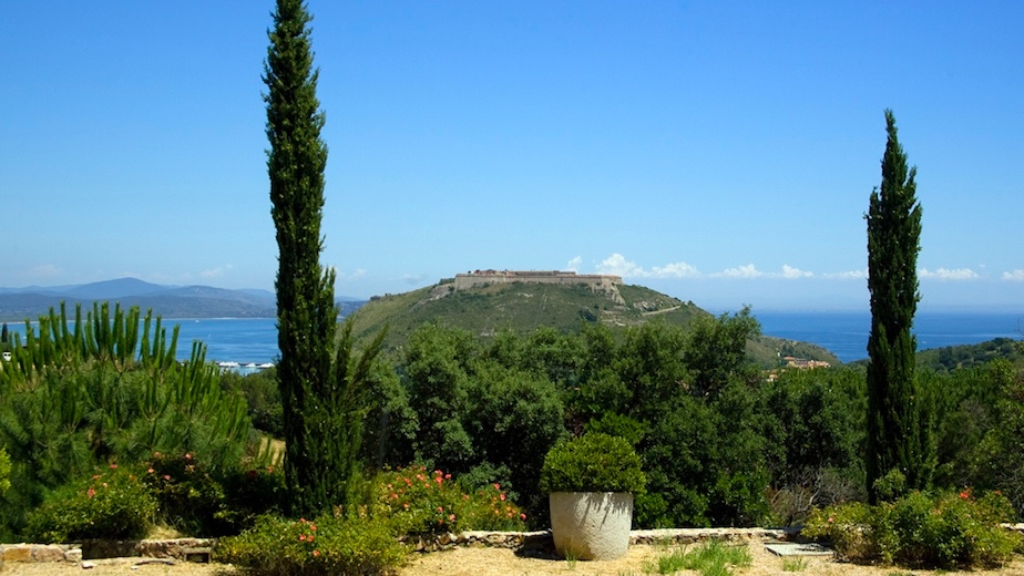 le sughere - Sleeps: 10Price from: EUR 6,500 per weekLocation: Porto ErcoleFeatures: Pool and large enclosed garden
