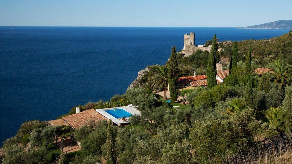 tuscany-seaside-villa-07a.jpg