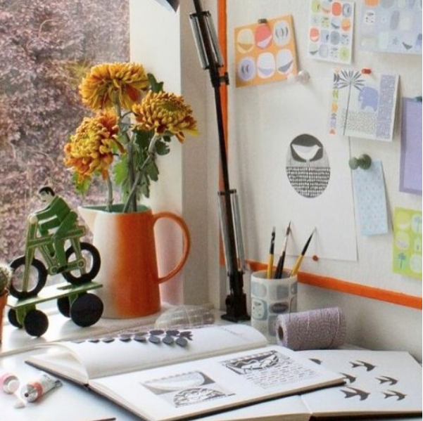 Skim through Sarah's sketchbooks and nosy around her studio at 49 Peckarman's Wood.