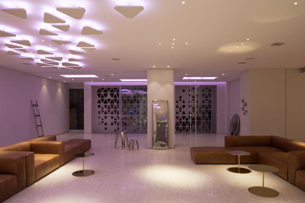 S–S/Mykonos Dove Beachfront Hotel