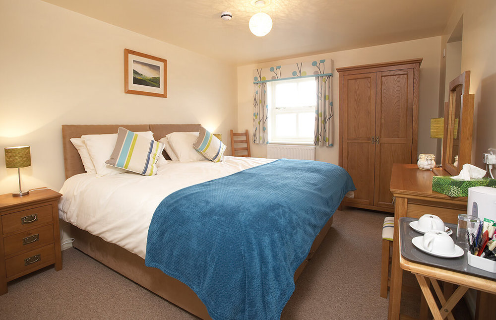 Cranswick - The Cranswick Room embodies warmth, comfort and luxury. You have the choice of a double or twin beds and the room benefits from an en-suite bathroom with over-bath shower.BOOK NOW >