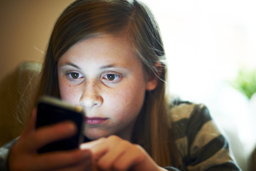 Teen-with-Cell-phone.jpg