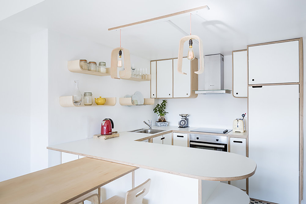 Plywood kitchen by Lozi