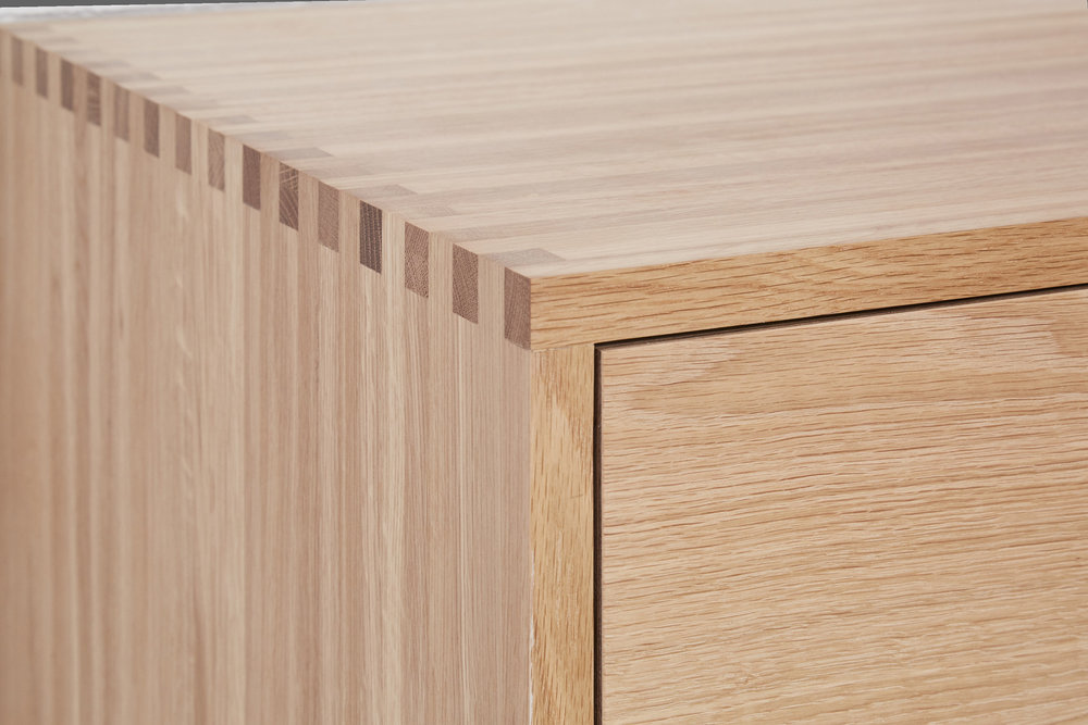 Plywood and solid oak kitchen detail by Lozi