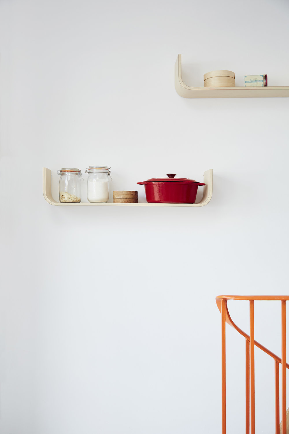 U shelf by Lozi