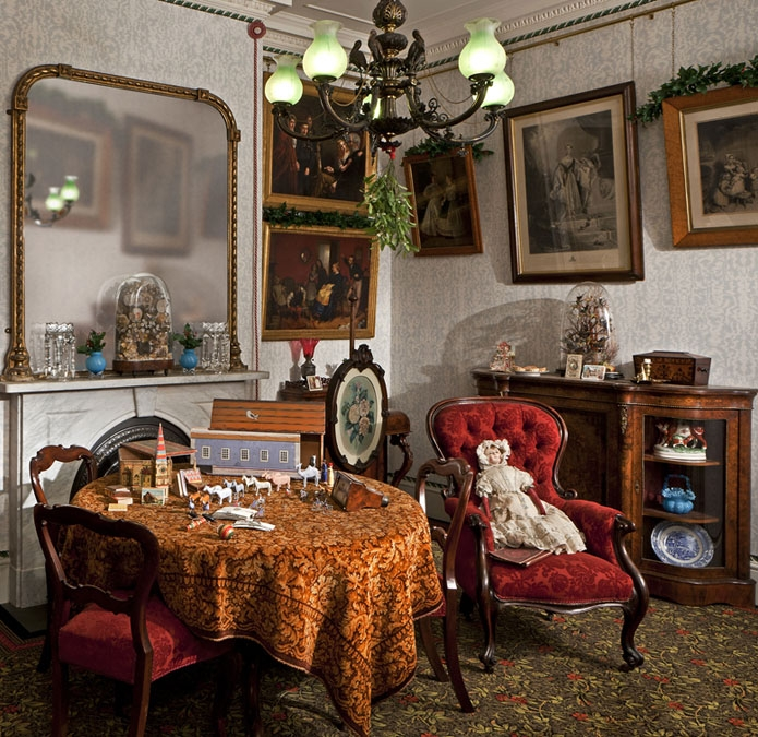 Ordinaire Victorian Living Room Decorated For Christmas,u0026nbsp;image Courtesy Of The  Jeffrey ...