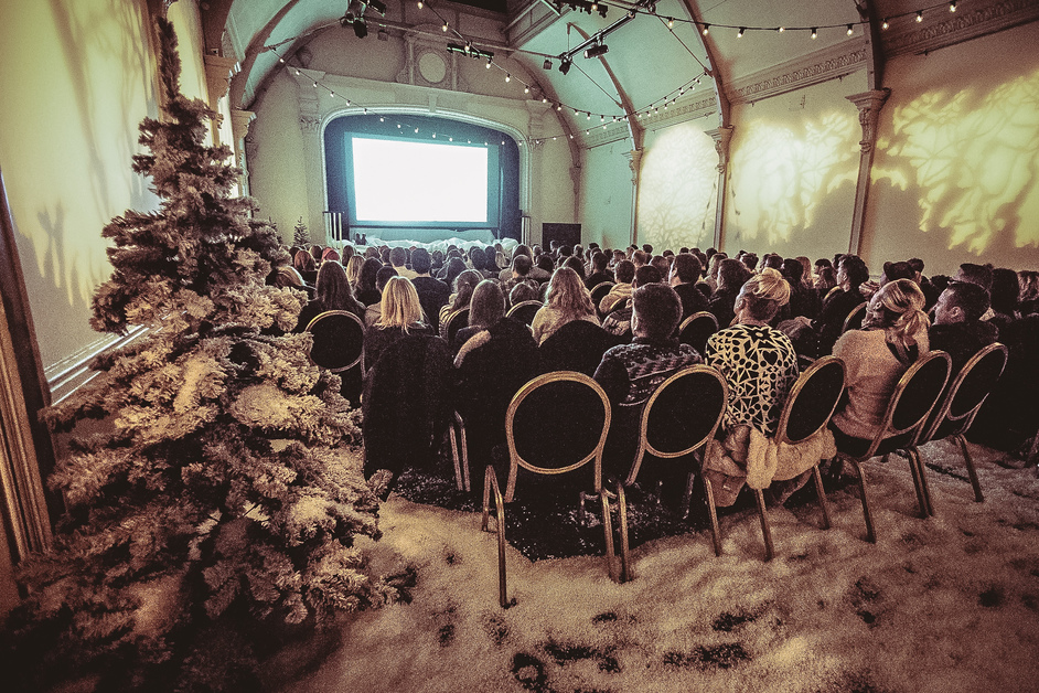 Magical winter cinema Land, image courtesy of  Pop Up Screens in The Snow