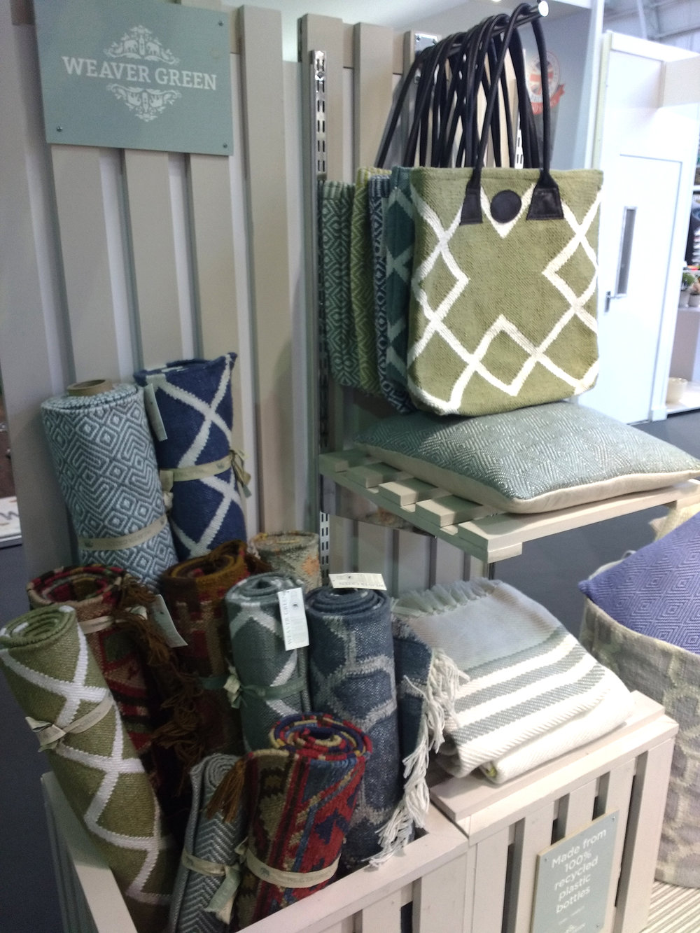 Weaver Green  Rugs ,  Bags  and  Blankets