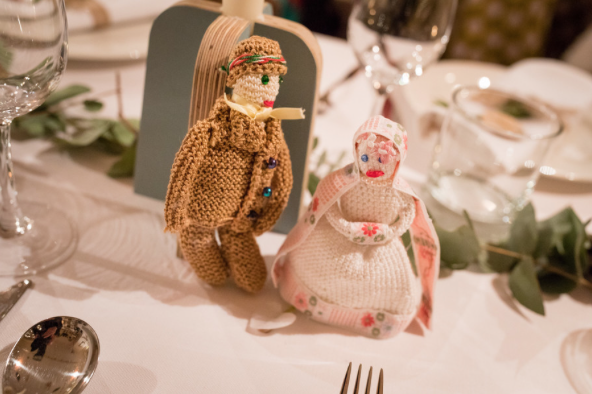 A hand crocheted bride and groom. Photo: Magnus Arrevad.