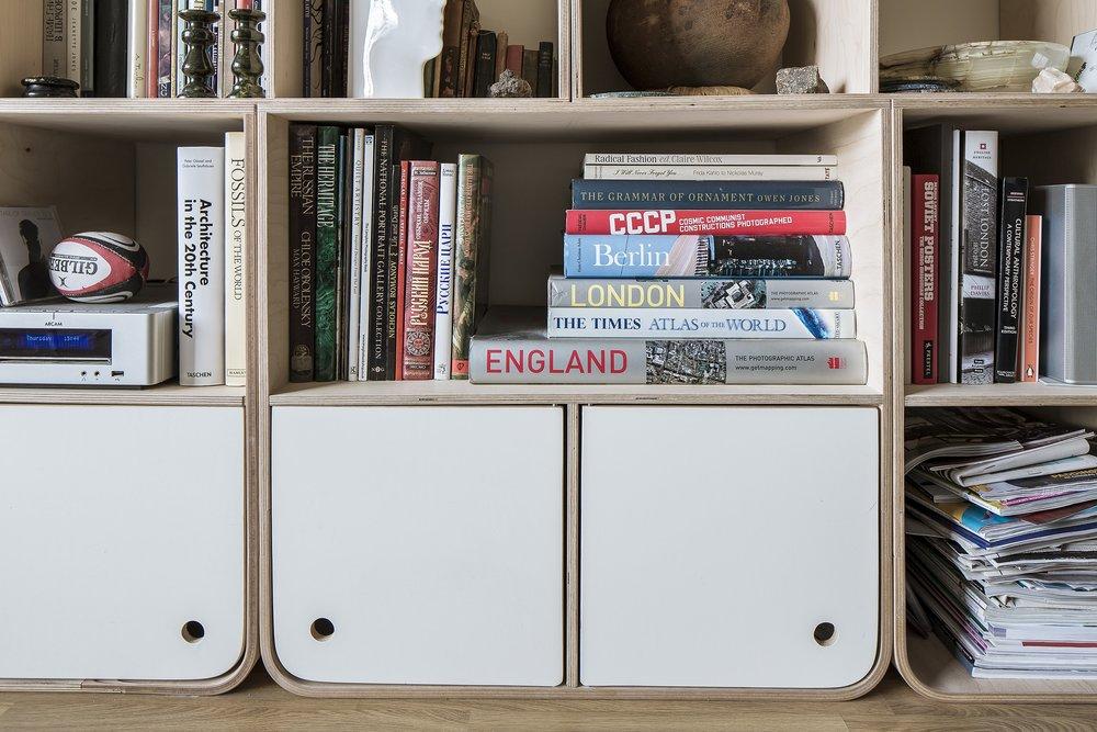 Svett bookshelves 3-min.jpg