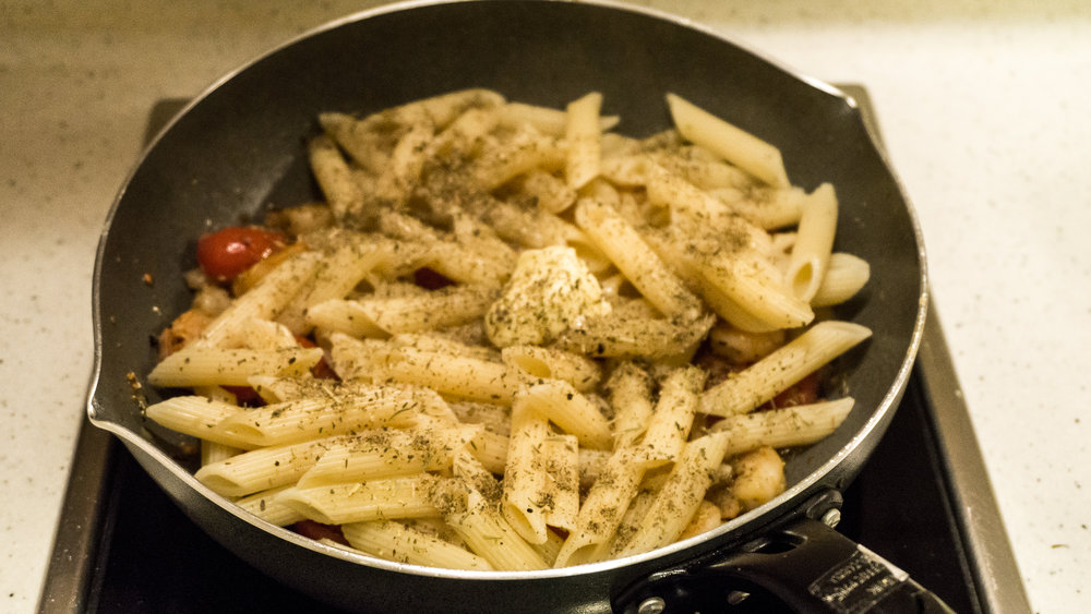 Samhodgett_garlic_shrimp_pasta_7.jpg