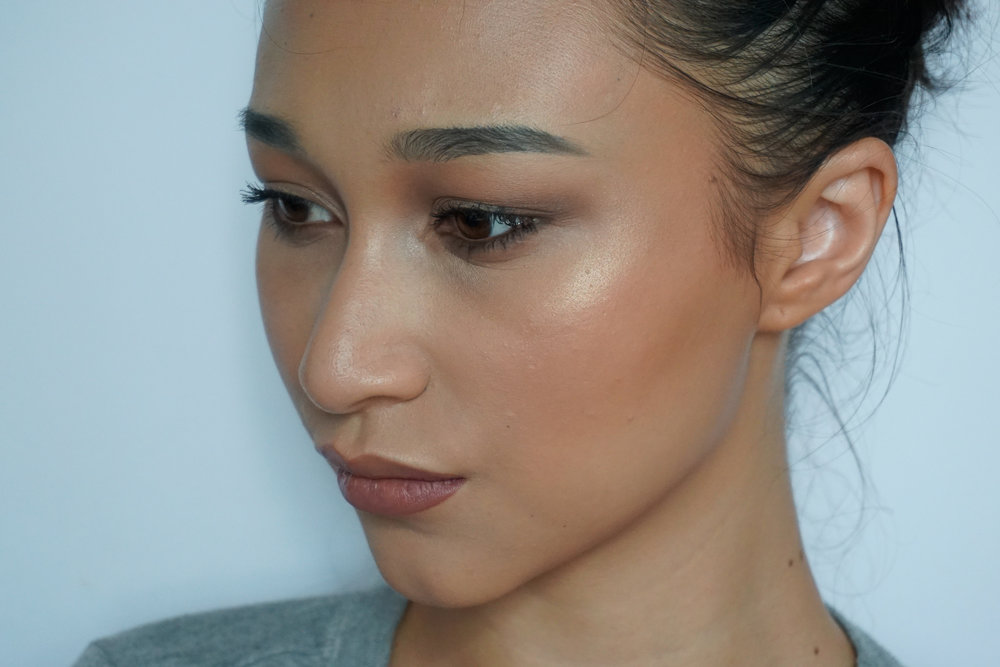 SamHodgett_Beauty_Review_Maybelline_Fit_Me_Dewy_and_Smooth_3.jpg