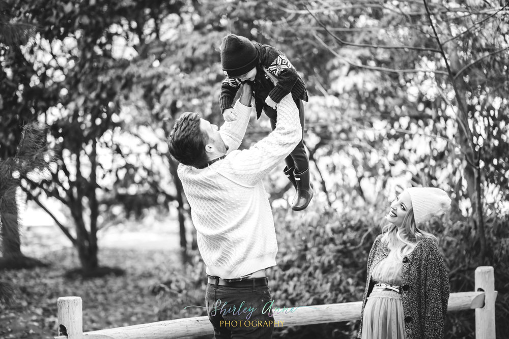 maternity session with family
