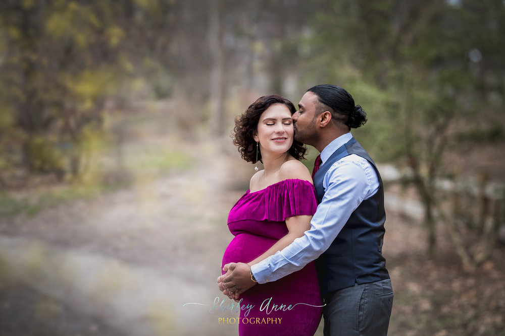 mom and dad pregnancy photography