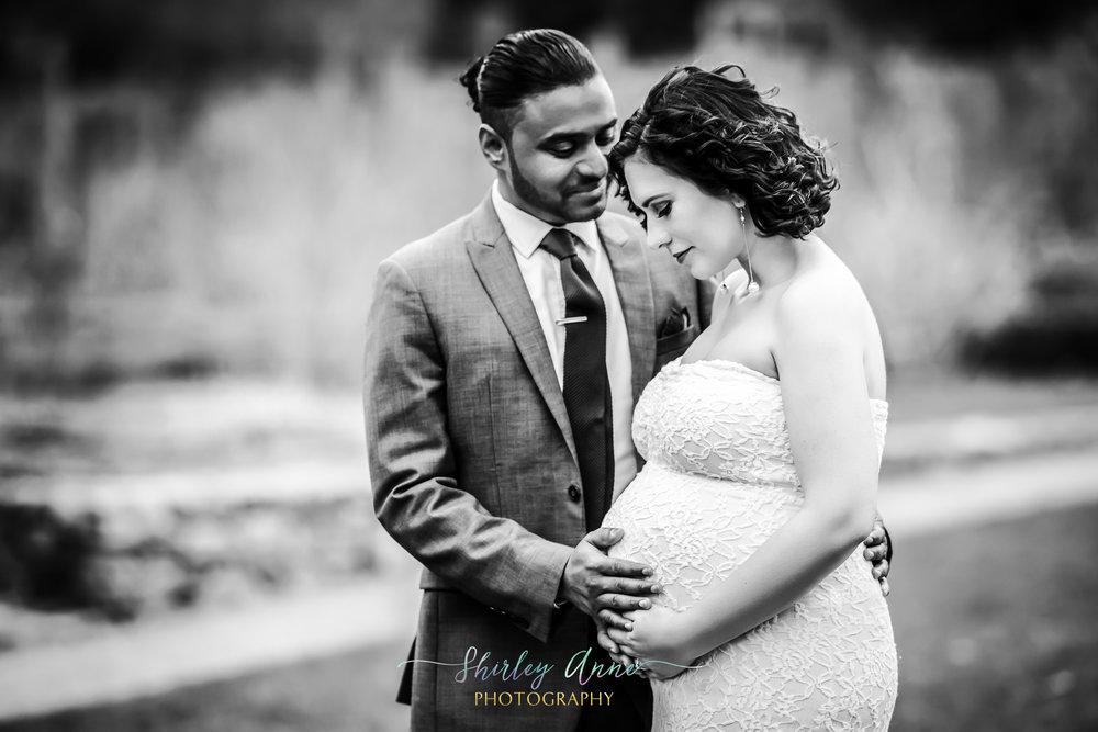 bi-racial couple pregnant mom maternity