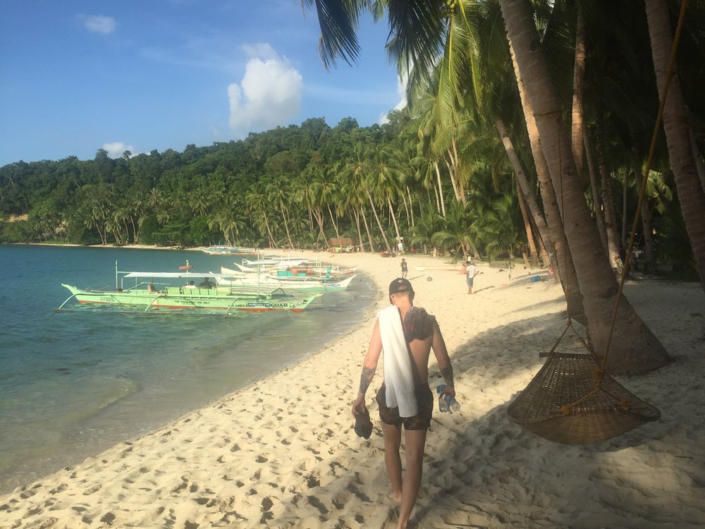 White Beach in Port Barton,western Palawan