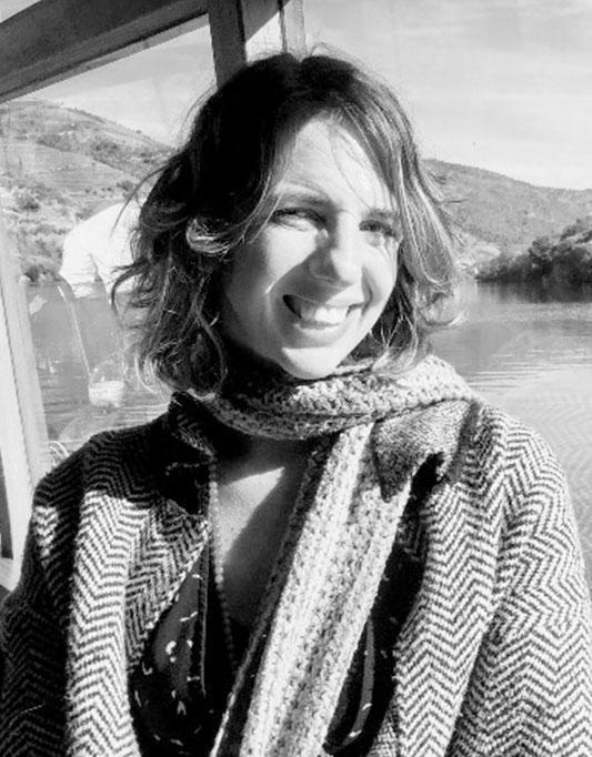 ISADORA MIGLIORI   Investigadora na Migliori Institute; Especialista em Neurociência e Física Quântica