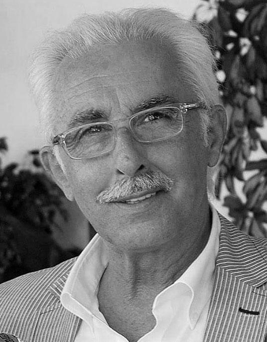 MANUEL LARANGEIRA   Diretor Financeiro na Newmanity & Consultor de Negócios