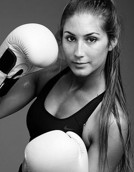 INÊS ABRANTES   Ex-campeã de kick-boxing e Instrutora de Fitness