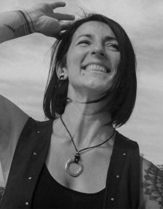 ELENA KOLEVSKA   Programadora Sénior de Software & Coach de Tecnologia