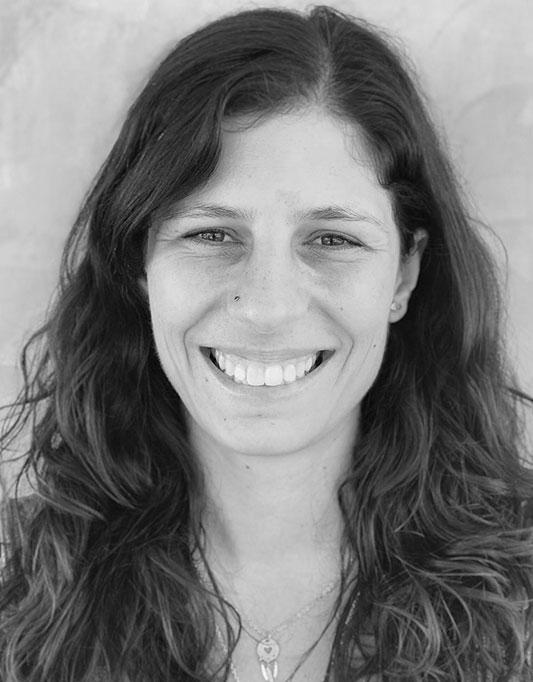ANA ALVES   Consultora de RH, Coach de Yoga e Saúde