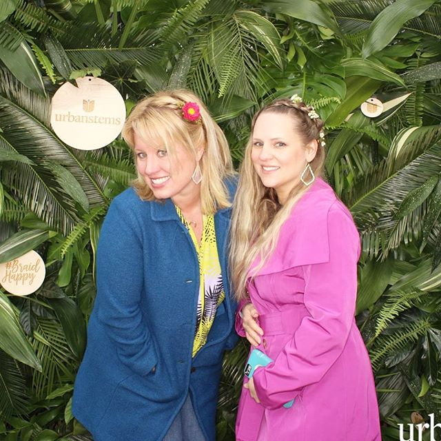 Still reliving our fun times at the braid bar! 🌺🌿What a blast!!! #sxsw @createcultivate @sendurbanstems #braidbar #domestikate