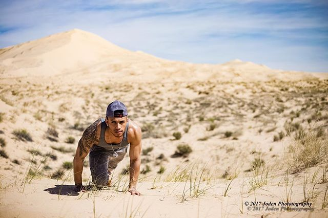 Brads a beast and there is no mountain he won't conquer.  #follow #comment #lfl #sand #desert #fit #instagay #instafit #gay #hot #sexy #fun #sun