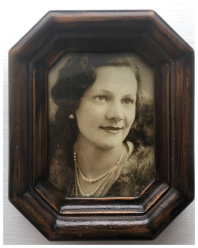 My grandmother in 1932. She died aged 88, in 1990.