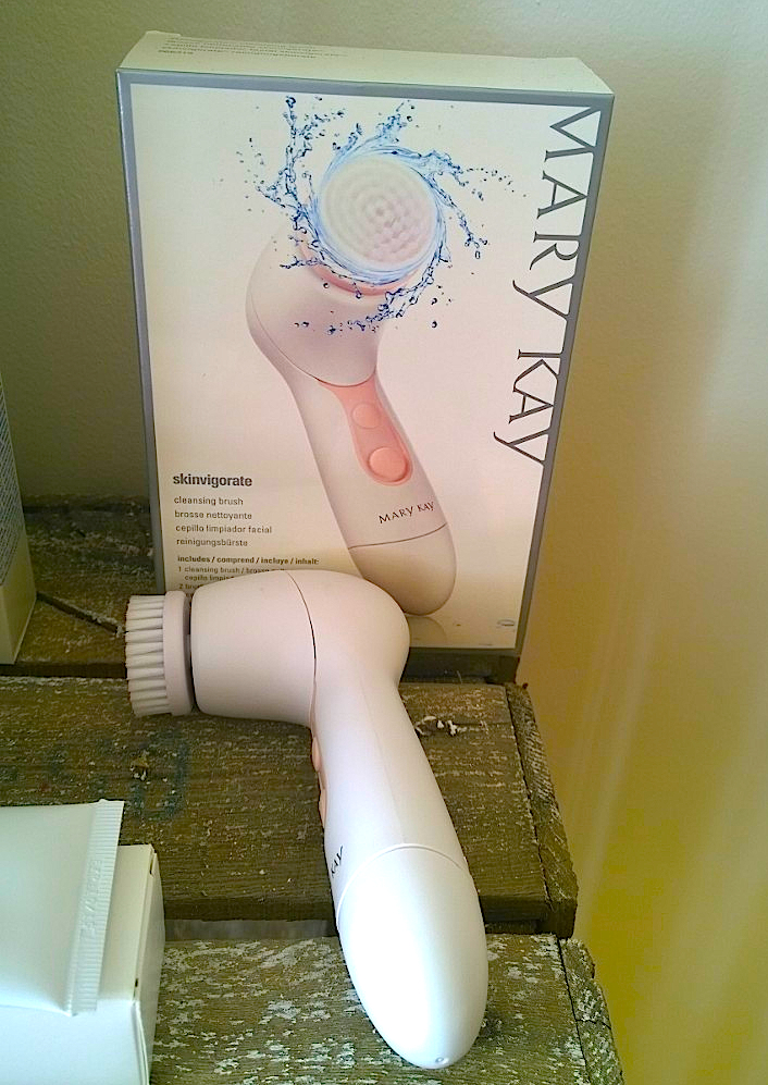 Mary Kay Cleansing Brush
