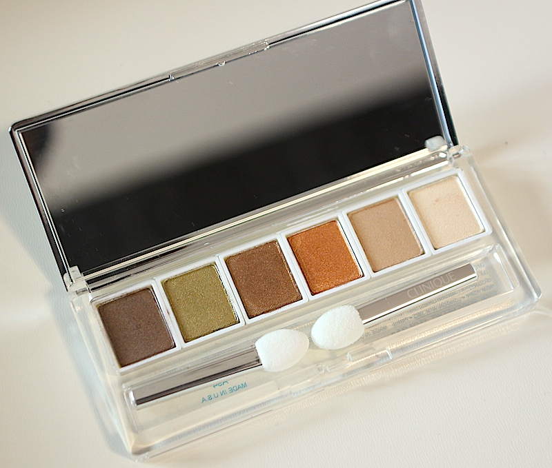 Clinique-Aromatics-In-White-Eyeshadow-Palette.jpg