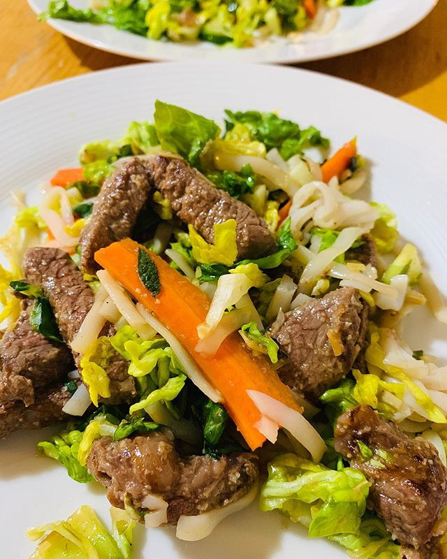 I've been really enjoying cooking more recently - tonight's dinner was Vietnamese lemongrass beef noodle salad via @taste_team (not an ad, I'm just a mega fan of their website & IG and have used their recipes for years). Really delicious, refreshing flavours with loads left over for lunch tomorrow - woohoo!  #glasgow #theglasgowfoodblog #food #foodpics #foodporn #foodphotography #glasgowfood #instafood #foodblog #foodblogger #theglasgowfoodcompany #peoplemakeglasgow #visitscotland #scotland #scotlandisnow #vietnamese