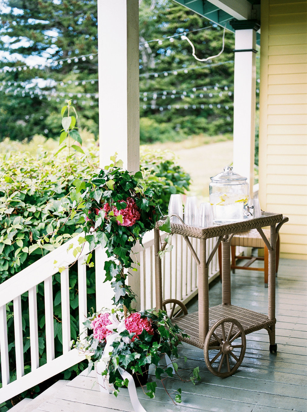 Alexandra-Elise-Photography-Ali-Reed-Chebeague-Island-Maine-Film-Wedding-Photographer-Elizabeth-Josh-Wedding-Reception-011.jpg