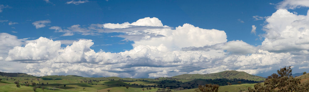 Cumulus_clouds_panorama.jpg