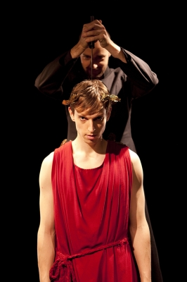 JULIUS Act II, copyright Elastic Theatre 2013; photo by Ludovic Des Cognets