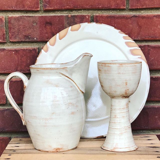 Grace poured out. ✨ Such an honor to create this set for my family @thestirringathope.  #maundythursday  #thestirring #communion #makersmovement #makersgonnamake #clay #cone6 #madeinaskutt #madeintn #handmade #stoneware #clayisbae #memphisartist #ceramicpitcher #ceramicart #wheelthrown #ceramics #pottery #pottersofinstagram