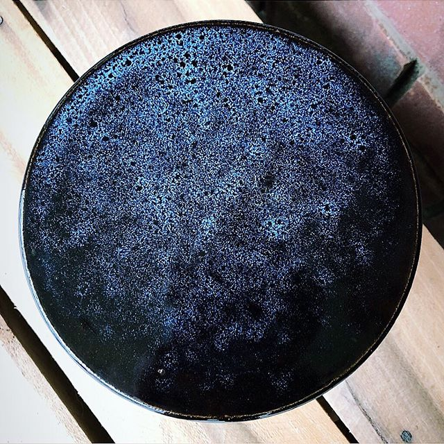 Every now and then, the kiln gods smile down on me. 🌖🌗🌘🌑🌒🌓🌔 #handmade #ceramic #pottery #pottersofinstagram #stoneware #cone6 #madeinaskutt #makersmovement #makersgonnamake #madeintn #memphisartist #clayisbae