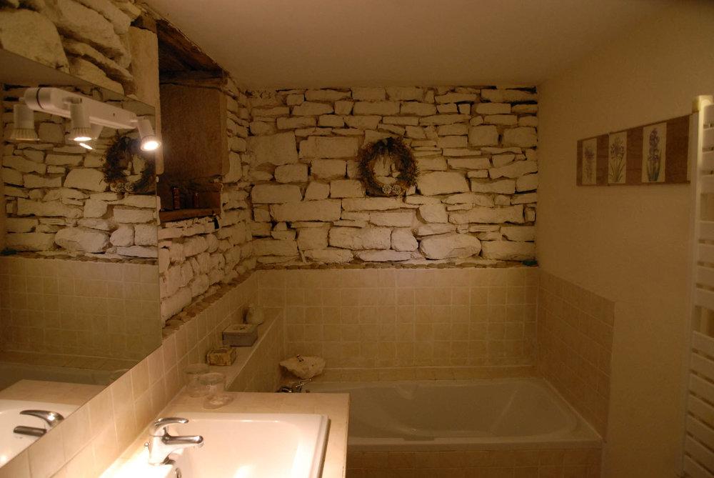 Célestine bain 2.jpg