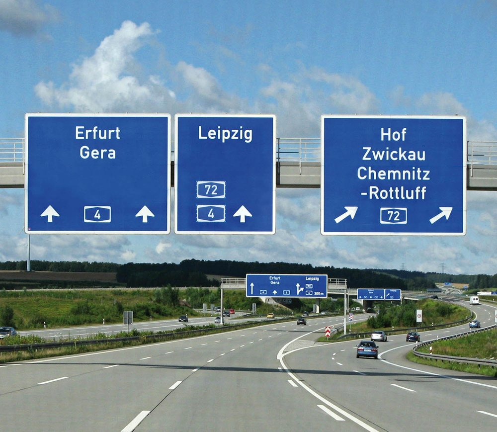 An example of DIN on a highway sign