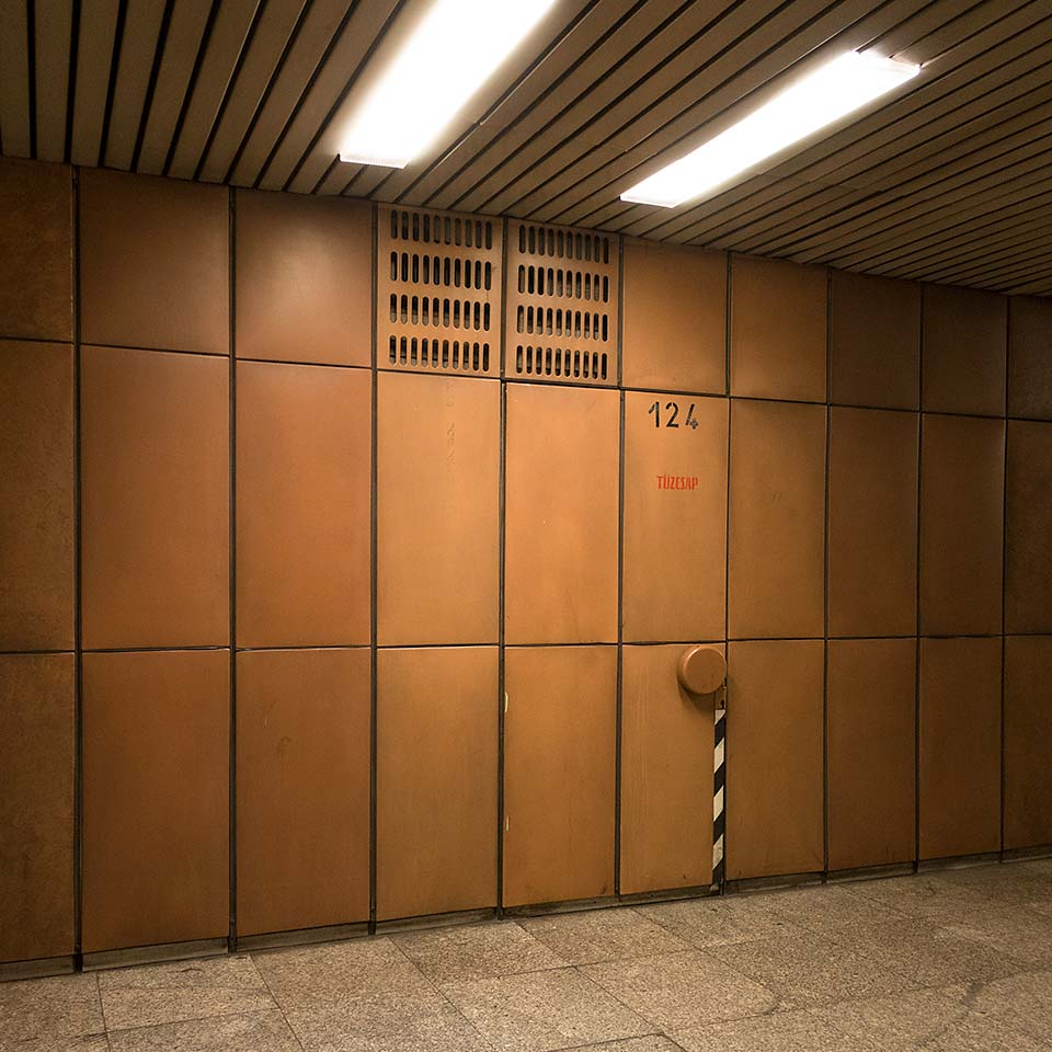 A truly exceptional door in the very brown Lehel tér M3 station.