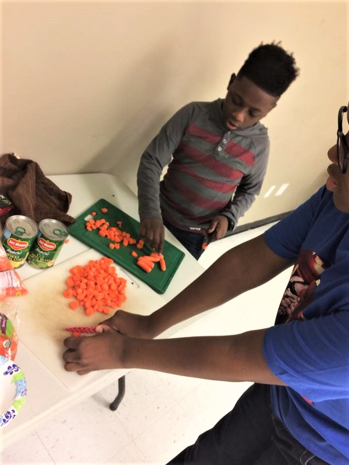 wingate healthy living chopping carrots cooking class.jpg