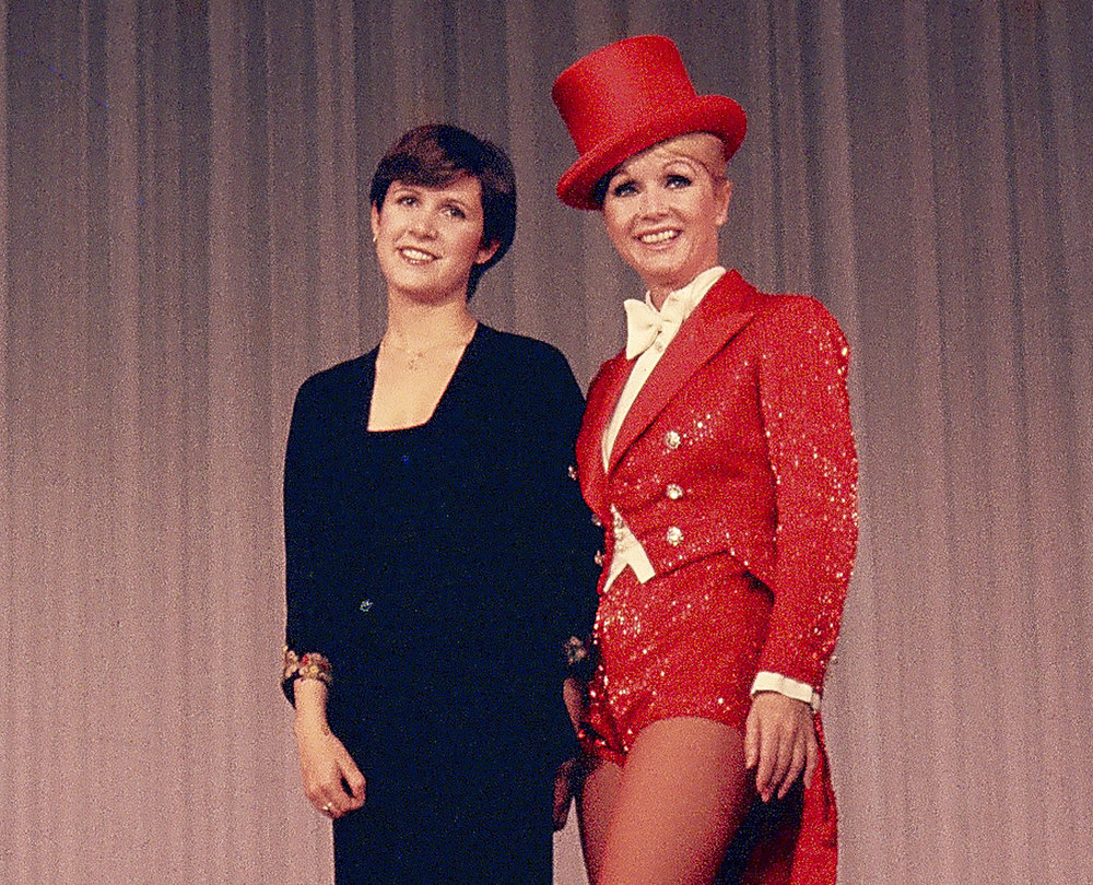12-7 Debbie & Carrie London Show..jpg