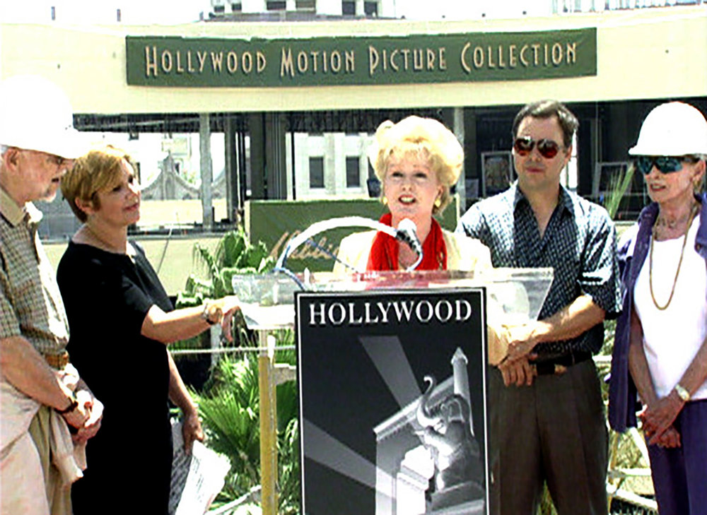 CARRIE, DEBBIE, TODD AND JANET LEIGH AT THE HOLLYWOOD AND HIGHLAND CEREMONY