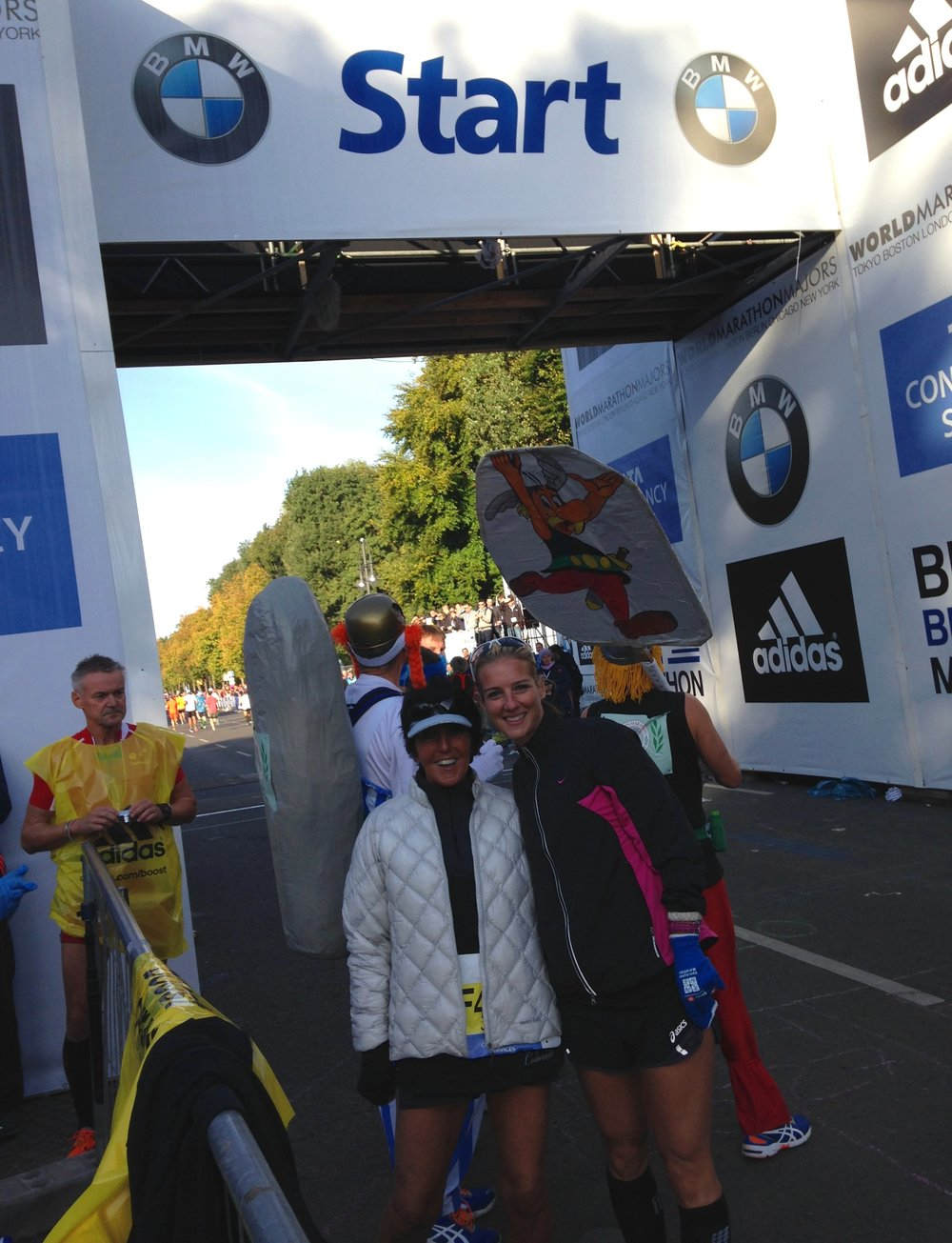 Global friend Jacqui with FIT Founder Kelly McLay at the Berlin Marathon starting line.