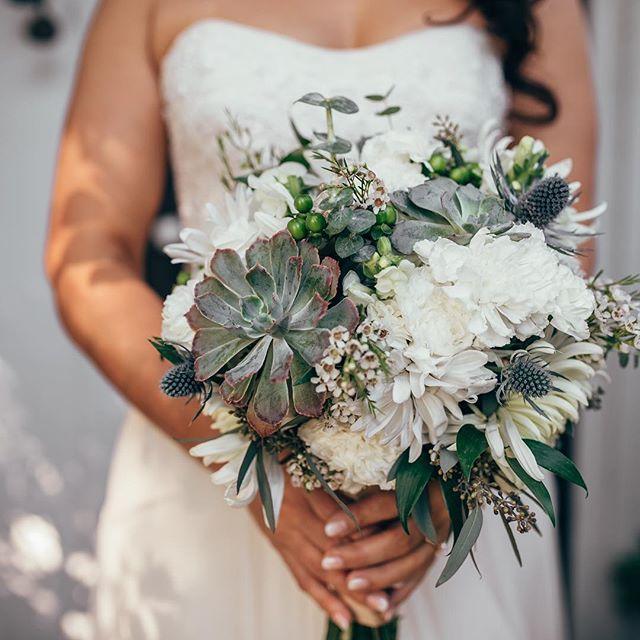 In honor of it feeling like spring outside!  @threeregionnc  #wedding #weddings #ncweddings #weddingplanner #weddingplanning #weddingdesign #floral #weddingbouquet #weddingflowers #weddingphotography #photographer #floraldesign #bouquet #bridalbouquet #ncphotographer #weddingdesign