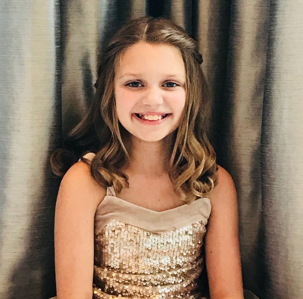 - Elyse Abramov is in the 5th grade at Rossman School. She loves to perform, and her first role was as Michael Darling in Peter Pan when she was 7 years old.  Elyse also loves gymnastics, reading and playing the piano.